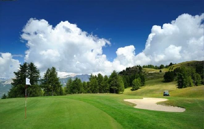 Valberg Golf Course, the green and fairway hole 5th