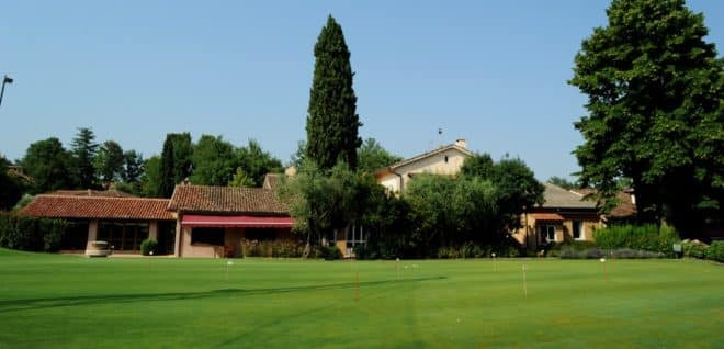 Garlenda Golf Course the restaurant and club house