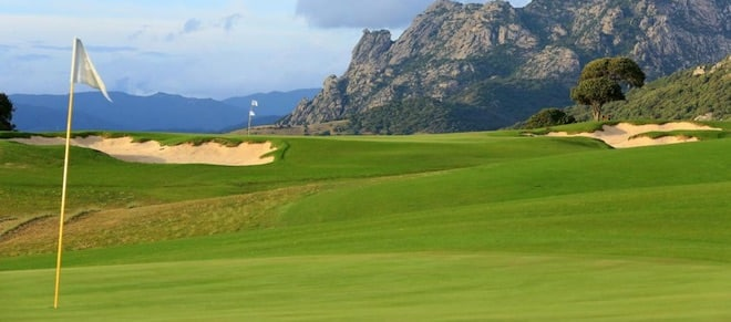 The Murtoli Golf Links - Course and Mountain